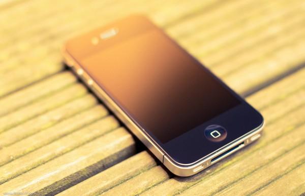 apple-vypuskaet-svobodnye-i-phone